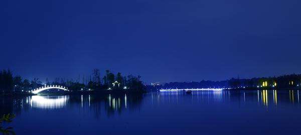 万丰湖夜景